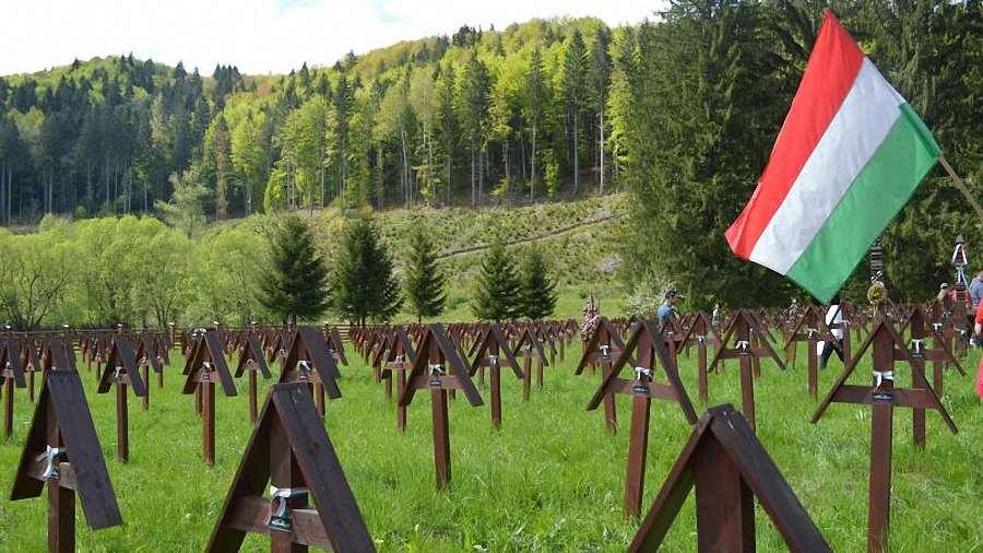 Jogerős ítélet kötelezi Bákó megye prefektusát az Úzvölgyi katonatemetőre vonatkozó iratok kiadására