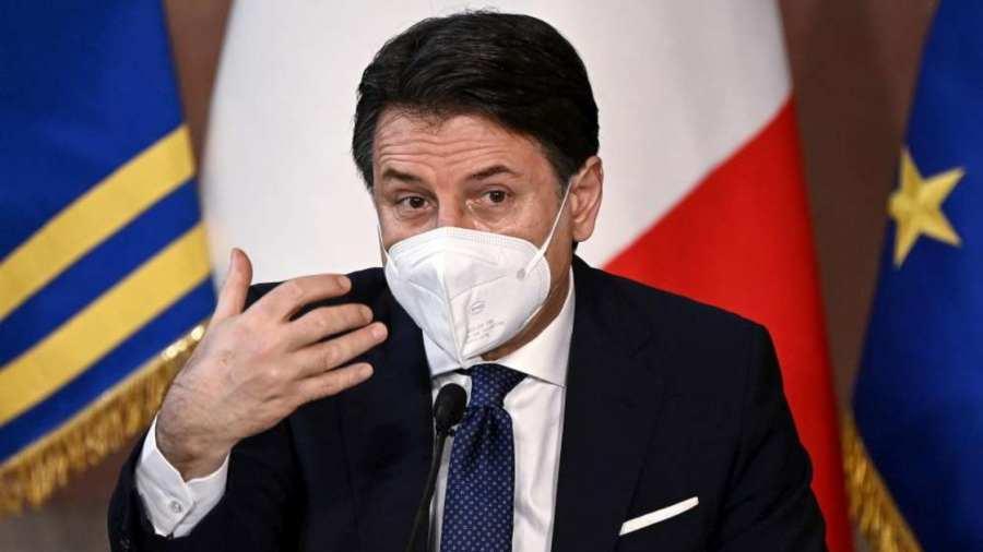 Giuseppe Conte olasz kormányfő benyújtotta lemondását
