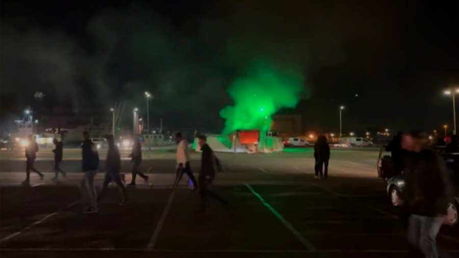 Szétverték Hollandiát a kijárási tilalom ellen tiltakozók