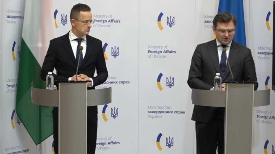 Szijjártó: Adják vissza a kárpátaljai magyarság anyanyelven való tanulásának jogát!