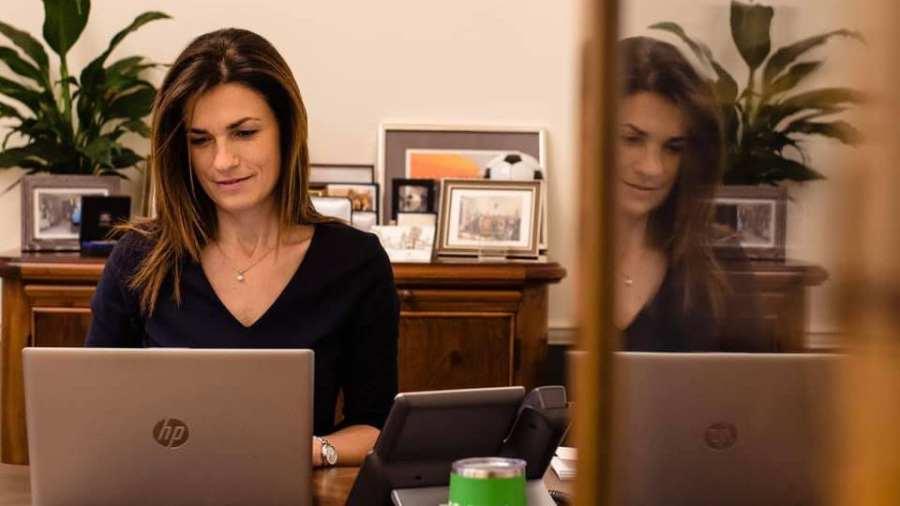 Törvényi szabályozás készül a Facebookról és a többi közösségi megosztóról