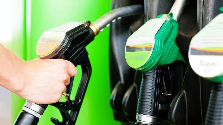 Mayer Gábor: Magyarázzuk a benzináremelést