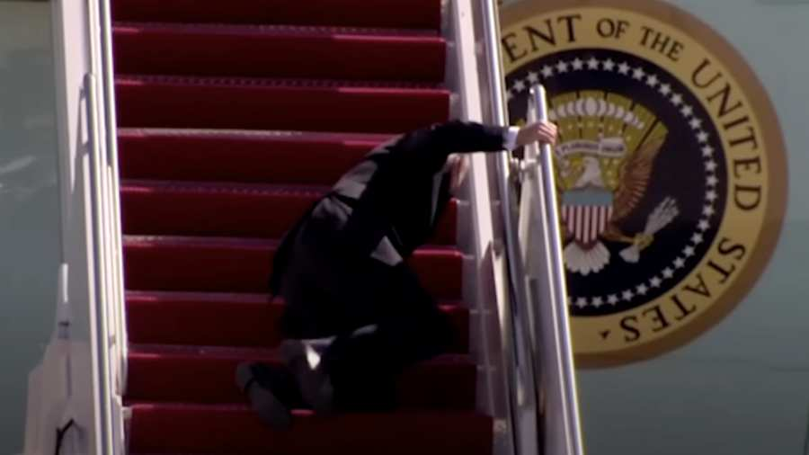 Joe Biden up to the Airforce One