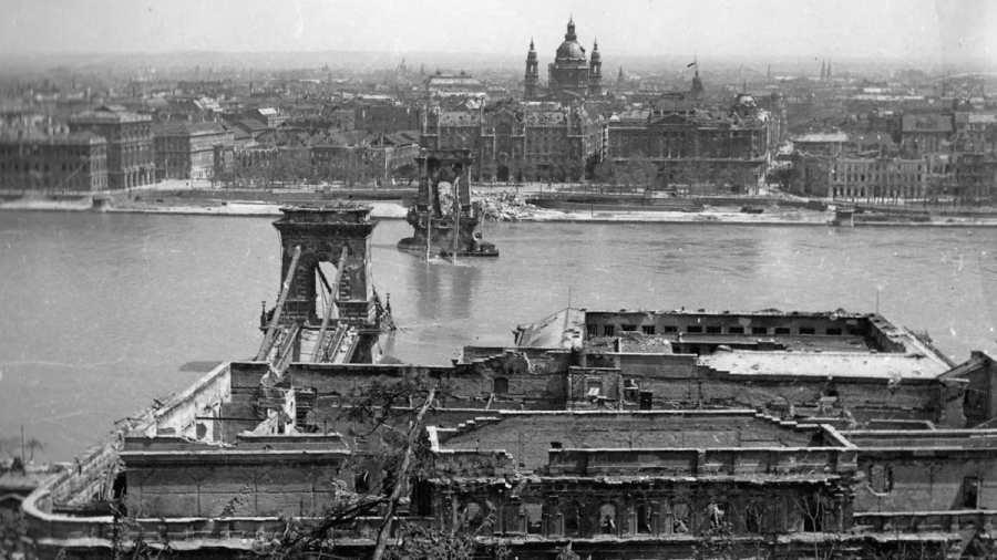 """A """"felszabadulás"""" 1945, Budapest"""