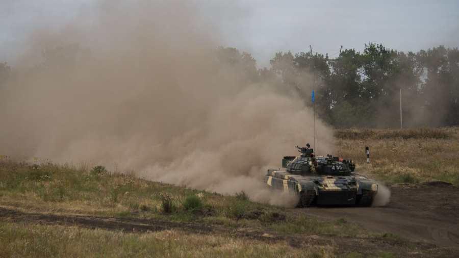 Az ukrán hadsereg lövöldözni kezdett Donyeck külvárosában